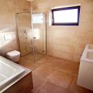 Medovka 1 - rodinný dom bungalov Nové Zámky Dom na predaj - kúpeľňa