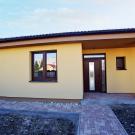 Medovka 1 - rodinný dom bungalov Nové Zámky Dom na predaj - vchodové dvere